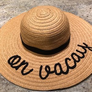 """On Vacay"" floppy sun hat ☀️"